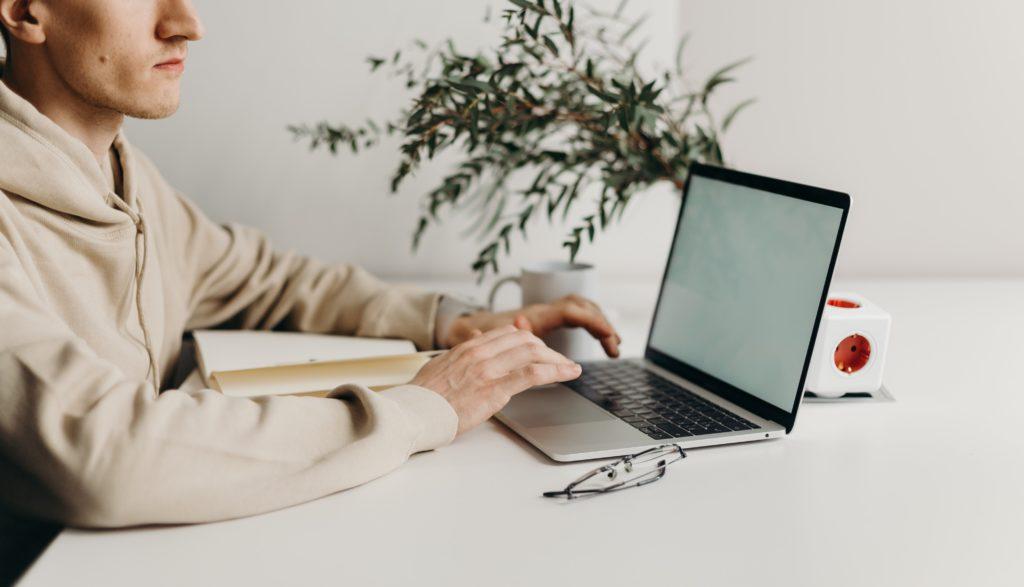 Corona Maßnahmen: Wenn Home-Office keine Alternative (mehr) ist_Work Kontor Ahrensburg Büros mieten_Office mieten Business Center