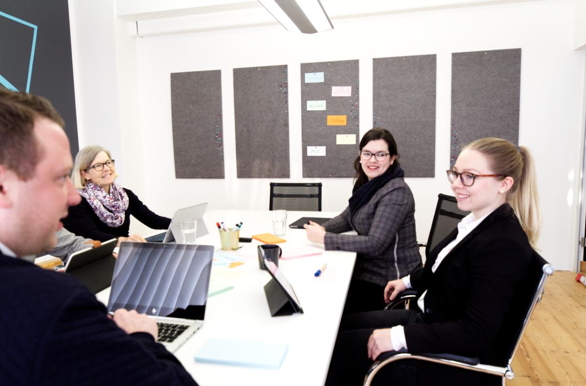 Besprechung Vortrag oder Seminar in Ahrensburg Meetingraum Besprechungsraum mieten Tagungsraum mieten Work Kontor
