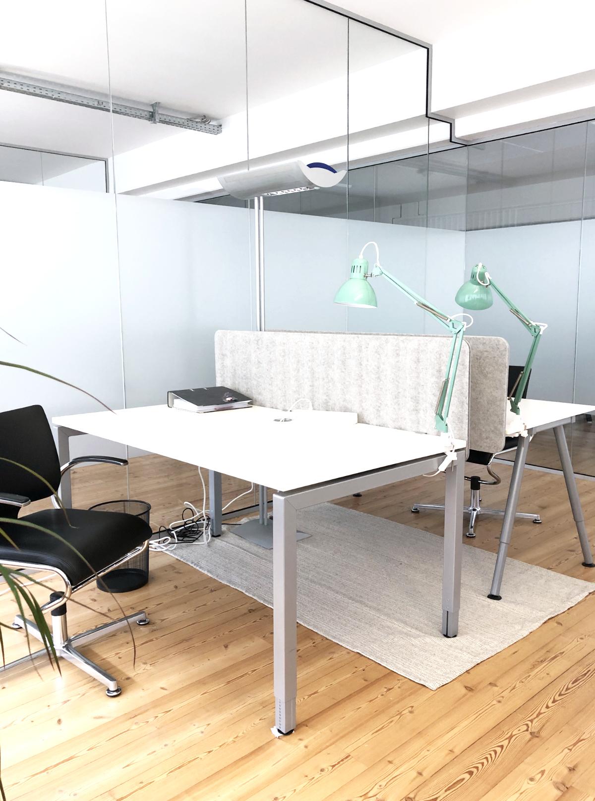 Work Kontor Coworking Ahrensburg Fix Desk Arbeitsplatz im Gemeinschaftsbüro