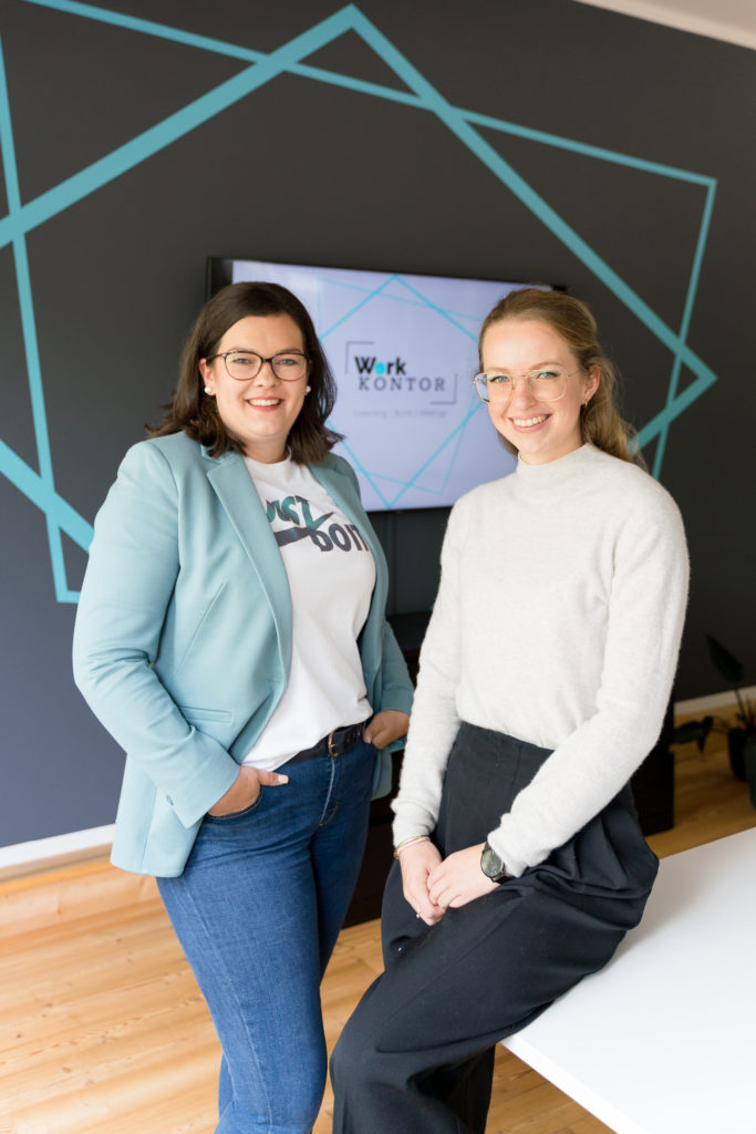 """Inhaberinnen und Gründer des Coworking-Space """"Work Kontor"""" in Ahrensburg: Anja van Wahden und Dorina Bausch"""