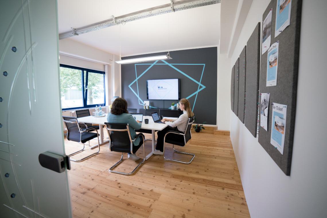 Konstruktive Meetings, Besprechungen und Teamtreffen im Meetingraum in Ahrensburg_Coworking Space Work Kontor