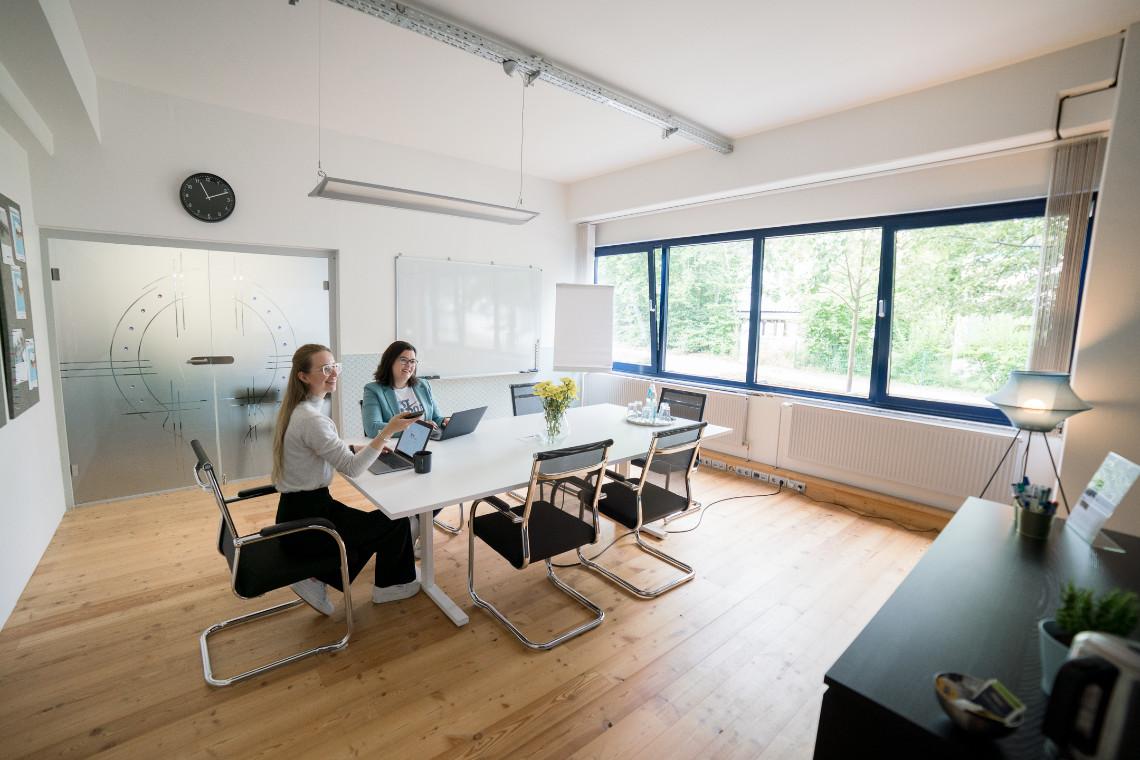 Moderner Besprechungsraum in Ahrensburg für 6 Personen